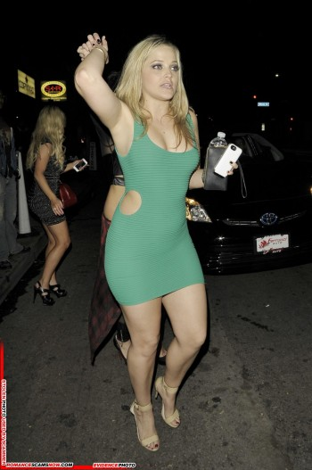 KNOW YOUR ENEMY:  Do You Know This Girl? Alexis Texas, a Favorite Of African Scammers 11