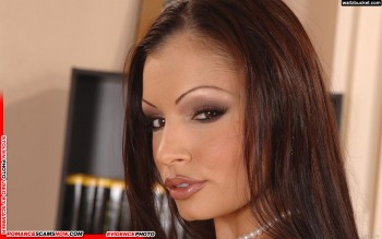 Stolen Face / Stolen Identity - Aria Giovanni: Have You Seen Her? 7