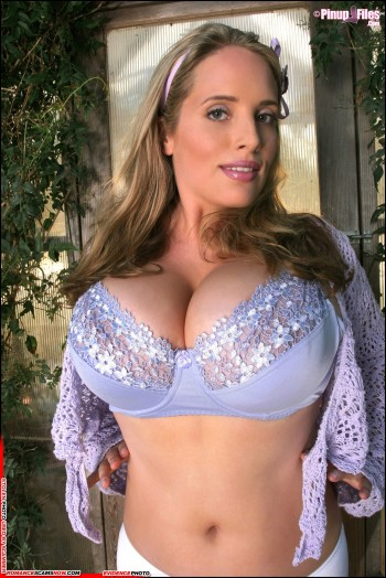 KNOW YOUR ENEMY: Maggie Green - Another Porn Star Favorite Of African Scammers 35