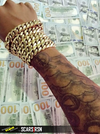 RSN™ SCAM NEWS: Ghana Sakawa Boy Throws Money Away 17