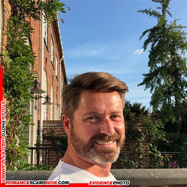 Stolen Face / Stolen Identity - Thomas Lindegaard Madsen: Do
