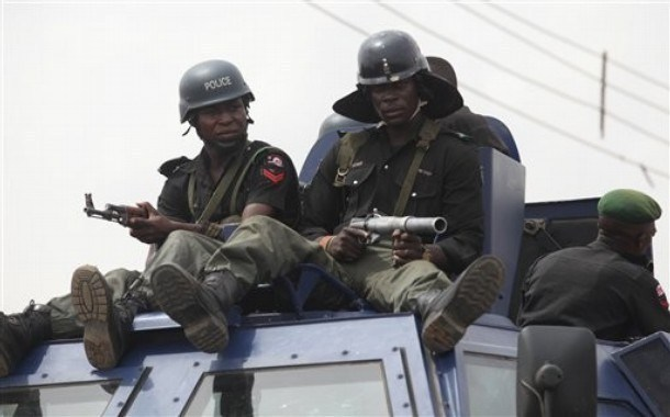 Yahoo boys on the prowl in Delta community as police arrest six - Daily Post Nigeria