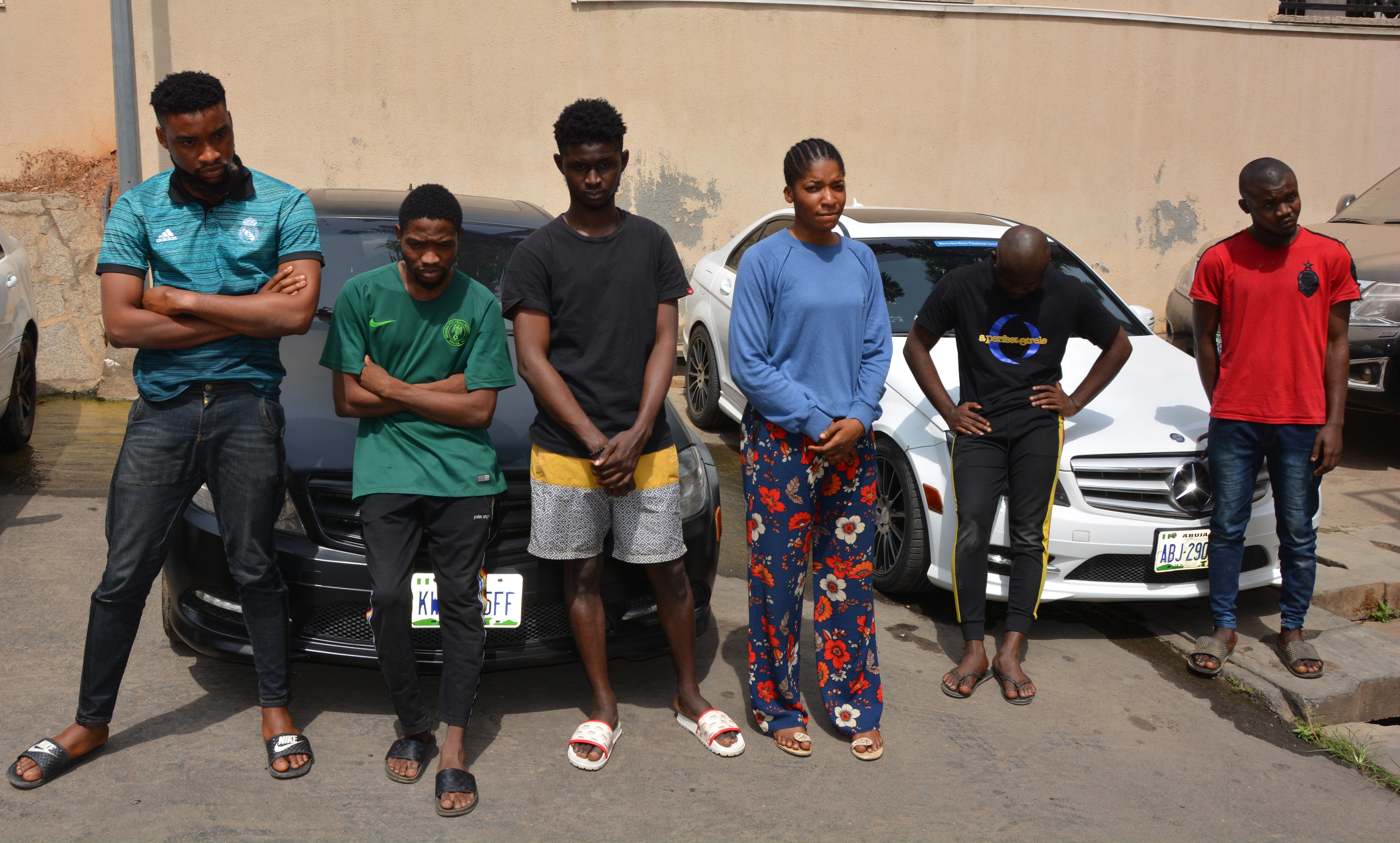 EFCC nabs 10 suspected internet fraudsters in Abuja - Daily Post Nigeria